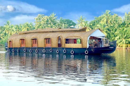 premium boathouse alleppey rates