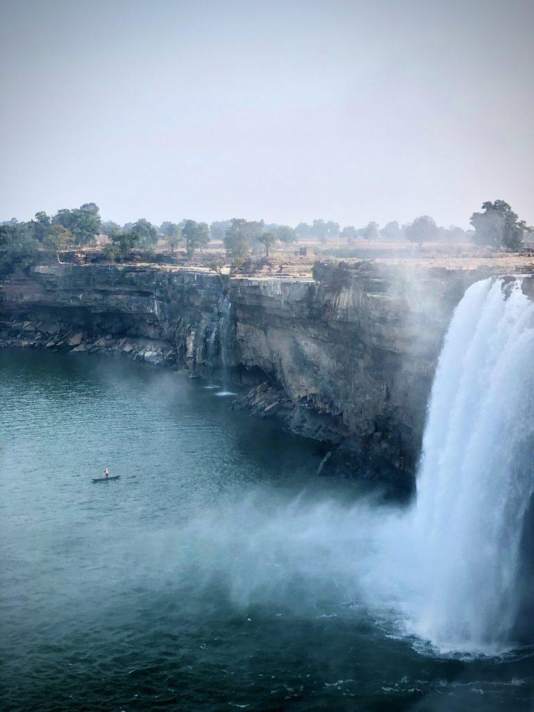 chitrakoot waterfalls tourism